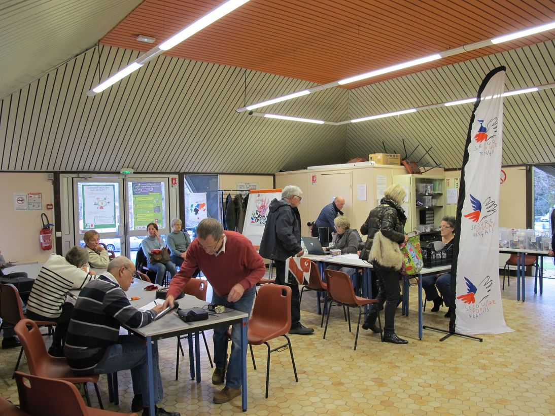 2014-12-09 Repair Café SPF38 01_1